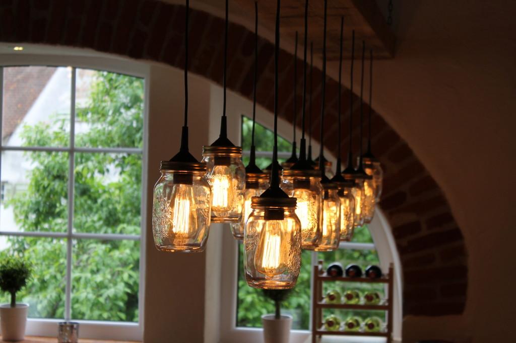 DIY (Do it yourself) Lampen in unserem neuen Veranstaltungshaus.